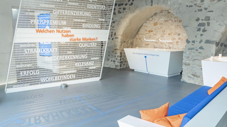 Volksbanken Raiffeisenbanken - Markenturm - Schloß Montabaur - Showroom - Multimedia - Creative Technology - Interactive Experience - Customer Journey - Touchanwendungen - Multitouch - realtime visions