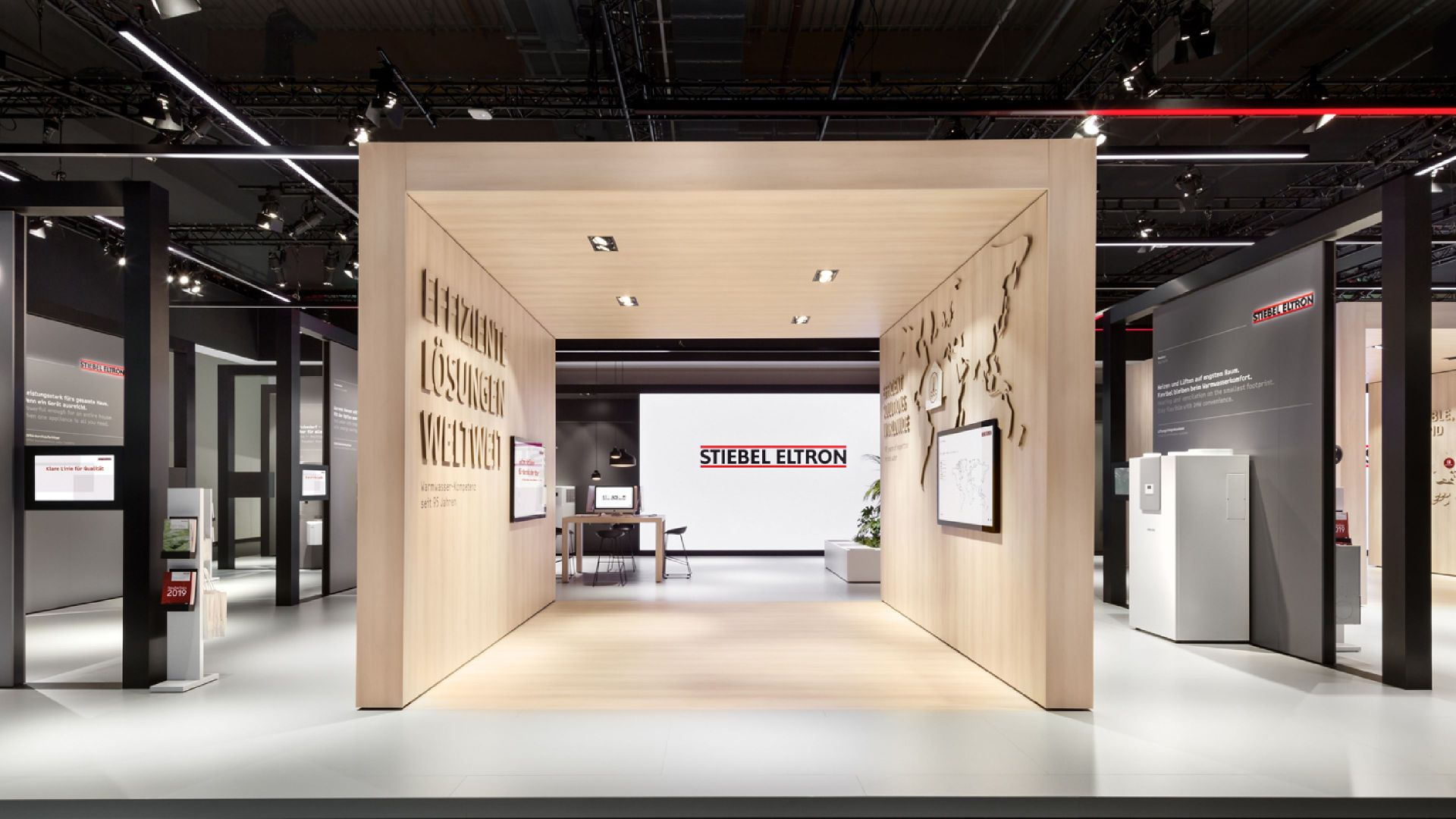 Stiebel Eltron - ISH 2019 - Multitouch - Large Format Display - Interactive Experience - realtime visions