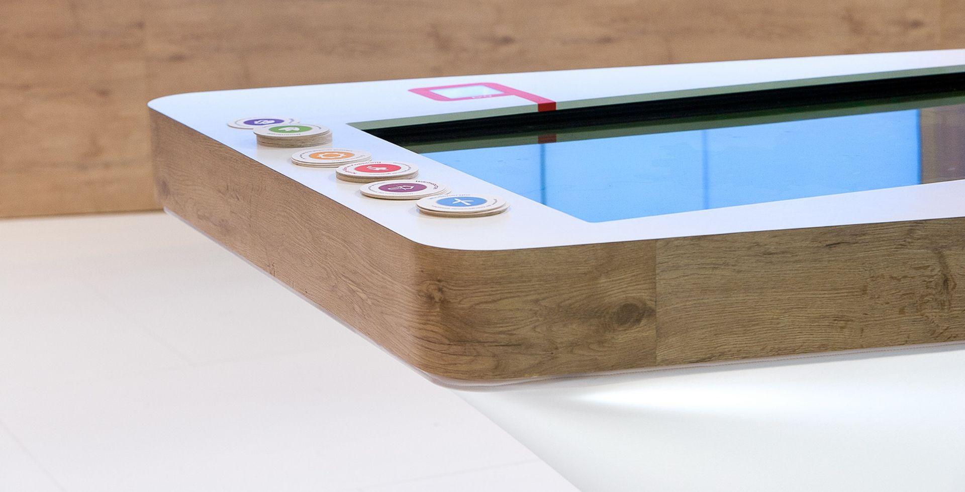 Rhein Energie - E-world - Multitouch - Objekterkennung - Videowall - Interaktiver Tisch - Touchanwendung - interactive experiences -  realtime visions